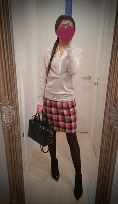 White buttoned shirt with checkered skirt - http://ameblo.jp/nyprtkifml