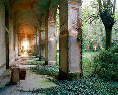Thomas Jorion Photos | Abandoned beauty in Italy