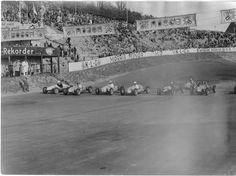 Midget racers on the starting line