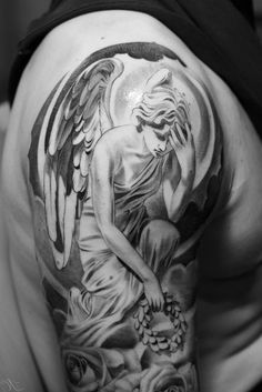 Engel Tattoo Schuetzende traurig