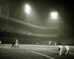 Probably one of my ALL TIME favorite baseball pictures. Giants vs. Dodgers at the Polo Ground, May 24, 1940.