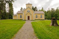 Ristijärven kirkko - Ristijärvi Kainuu Finland uskonto kesä rakennus kirkko jalkakäytävä ovi
