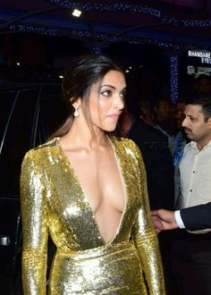 We are showing you the hottest and latest photos Om Shanti Om actress Deepika Padukone Sexy actress so just brace yourself. Deepika Padukone flaunts her boobs and cleavage like a queen, no doubt heart hacker actress of Bollywood Bikini, Bollywood Actress Hot, Bollywood Saree, Bollywood Celebrities, Indian Celebrities, Hot Actresses, Beautiful Actresses, Indian Actresses, Sexy Bikini