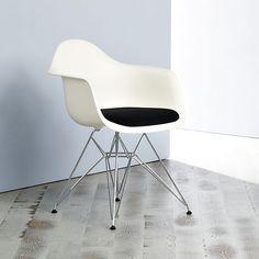 Eames Plastic Armchair DAR by Charles & Ray Eames for vitra   MONOQI w cushion