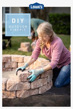 Here& how to build the perfect paver fire pit. Backyard Patio Designs, Backyard Projects, Front Yard Landscaping, Outdoor Projects, Diy Projects, Paver Fire Pit, Diy Fire Pit, Fire Pit Backyard, Build A Fire Pit