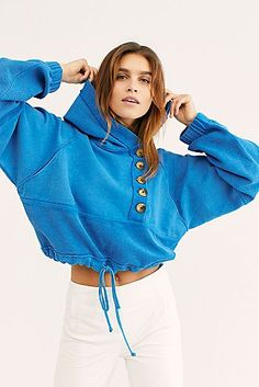 Shop our latest selection of new tops, for trendy tops, new womens tops and new clothing styles from Free People. Fashion Line, Girl Fashion, Fashion Outfits, Fashion Trends, Sporty Outfits, Cute Outfits, Super Flare Jeans, Girls Tunics, Hoodies