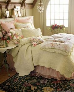 Bedroom: Rustic Dreamy Spring Bedroom Decor Ideas With Pink White Floral Bed Pillow And Bedcover Also Classic Sidetable Plus Floral Rugs And Small Chandeliers Design Ideas: 26 Awesome Spring Bedroom Decor Ideas