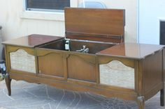 Repurposed Stereo Console | Crafty Things...