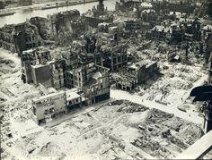 - Collection Archives de Seine-Maritime - Photographie de Rouen après les bombardements de 1944, 42 Fi 6.