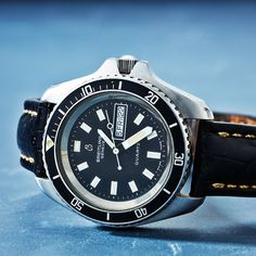Swedish Brands, Breitling, Omega Watch, Mineral, Auction, Quartz, Watches, Steel, Crystals