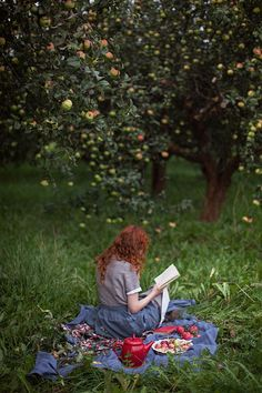 my secret garden Illustration Inspiration, Woman Reading, Anne Of Green Gables, Story Inspiration, Landscape Photos, Country Life, Selfies, In This Moment, Pictures