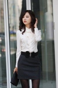 Interview outfits: This would be a good interview outfit for a more creative position, if the skirt was longer!