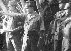 Lieutenant General Tadamichi Kuribayashi directing defenders at Iwo Jima, circa May 1944-Jan 1945 - If they had 5,000 more men and 6 more months to prepare. he had touched every American soldiers taken that island, and still have been necessary for gringos shoot three atomic bombs ... and yet would follow the Japanese held island