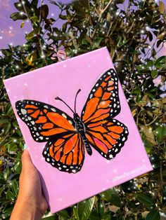 Queen monarch🦋✨ ☆ ☆ painted a butterfly for one of my friendsss. Lately, I hadn't had a lot of time to paint but quarantine has given me a ton of free time (and boredom)!😇 Hope everyone is staying safe! Small Canvas Paintings, Easy Canvas Art, Small Canvas Art, Simple Acrylic Paintings, Cute Paintings, Mini Canvas Art, Acrylic Painting Canvas, Diy Painting, Diy Canvas