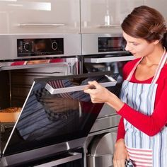 A new oven is always a welcome addition to any kitchen. Here's how to tell the difference between convection and conventional and maximize the benefits. Diabetic Cake Recipes, Slate Appliances, Kitchen Appliances, Kitchens, New Oven, Bra Hacks, Ice Bag, Buffalo Wings, Oven Recipes