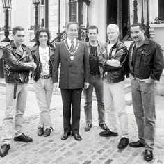 ..Aslan meeting the Lord Mayor of Dublin Ben Briscoe outside the Mansion House in 1988. #greatin88 - Photo: Dublin City Library . . #irishbands #igers_dublin #aslan #irishpeople #instadublin #dublinbands #irishrock #people #lovindublin #visitireland #christydignam #dublin #finglas #1988 #dublinsfaircity #instairish #mansionhouse #dubliners #irishlife #irishmusic #aslan #instaireland #irish #80s #dublinmemories #ireland #benbriscoe #irishnostalgia Irish Rock, Irish People, City Library, Dublin City, Irish Art, Mansions Homes, Old Photos, 1980s, Ireland