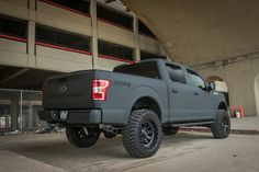 2018 Ford XLT Gray Kevlar Lifted Truck - how sexy is this ? Lifted Trucks For Sale, Lifted Chevy Trucks, Gmc Trucks, Cool Trucks, Diesel Trucks, Pickup Trucks, F150 Lifted, Ford Diesel, Ford F150 Accessories