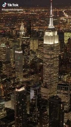 Night Aesthetic, City Aesthetic, Aesthetic Videos, Travel Aesthetic, Aesthetic Pictures, Nyc At Night, New York Night, Night City, New York Wallpaper