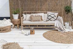 Groen in de tuin Ideas Terraza, Unique Garden, Boho Dekor, Interior And Exterior, Interior Design, Terrace Design, Beach House Decor, Home Decor, Outdoor Living