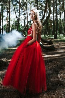 Maxi tulle skirt with pockets S074. Red.
