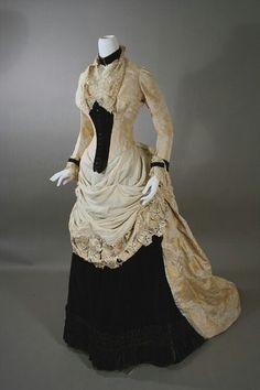 Broche en soie et robe de velours, ca.1880