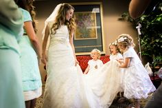 Jill Dillard (nee Duggar) - bridal party first look. Love how her flower girls are holding her dress Amy Duggar, Duggar Girls, Wedding Prep, Our Wedding, Dream Wedding, Cute Dresses, Flower Girl Dresses, Flower Girls, Duggar Family Blog