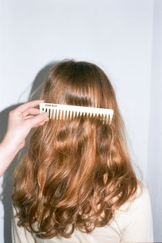 Yves Durif — Comb is part of braids - Beautiful comb designed by the Yves Durif Salon in New York Widetooth for easy combing when hair is wet or dry Hair Inspo, Hair Inspiration, Inspo Cheveux, Corte Y Color, Good Hair Day, Pretty Hairstyles, 1940s Hairstyles, Blonde Hairstyles, Elegant Hairstyles