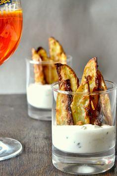 Česnekovo-parmazánové brambory s jemnou omáčkou