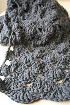 Echarpe grise : pas à pas en images !  - Bonnets et  Echarpes au Crochet