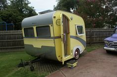 love these foreign travel trailers, vintage that is