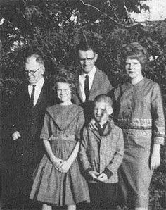 Janis Joplin with her family. ?, father Seth, Janis, sister Laura, and brother, Michael