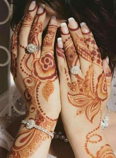 Henna Pictures, Mehndi Design Pictures, Mehandi Henna, Mehendi, Henna Tattoo Designs, Mehandi Designs, Henna Plant, Beautiful Henna Designs, Picture Tattoos