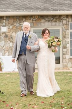 Tara +  Patrick | A Perfect Autumn Blue Valley Winery Wedding |  Candice Adelle Photography | VA DC MD Wedding + Families Photographer