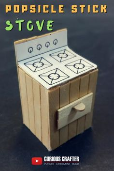 How to create a popsicle stick stove for a dollhouse. This is one of many toy fu… How to create … Popsicle House, Popsicle Stick Houses, Miniature Furniture, Dollhouse Furniture, Diy Popsicle Stick Crafts, Diy Barbie Furniture, Sticks Furniture, Doll House Plans, Diy Dollhouse