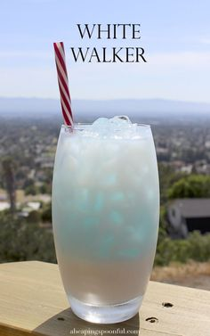White Walker - Game of Thrones, Dragon con cocktail drink : Fill a tall glass with ice. Pour white chocolate liqueur halfway up the glass. Fill the rest of the glass up with club soda. Slowly and gently pour a spoonful of blue curaçao over the top (drink should look layered: light blue on top with white below).: