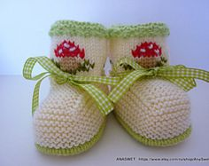 Colorful knitted baby booties/slippers/white shoes with by AnaSwet