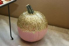 Pink and Gold Pumpkin 30th Birthday | CatchMyParty.com