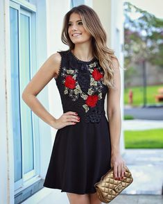 """""""❤️ @lerizzoficial e seus vestidos lindos! Apaixonada por essa renda """""""