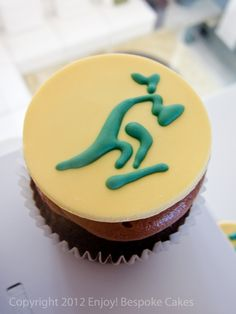 Wallabies cupcake 60th Birthday, Birthday Ideas, Rugby Cake, Cake Ideas, Bespoke, Fondant, Icing, Biscuits, Cupcakes