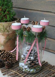 Das lustige Adventsquartett mit vier Teelichthaltern / Foto und Design: Ursula Thome