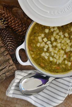 """Zuppa di legumi e cereali alla curcuma con pecorino - Ricetta tratta dal blog di Monica:""""http://lamammapasticciona.blogspot.it/"""" - Casseruola rotonda in ghisa smaltata colore cotton @LeCreusetItalia #food #cucina #zuppa #legumi #cereali #pecorino #cenavegetariana #vegetarian #vegetariana #cotton"""
