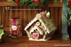 Gingerbread House by Hummingbord Miniatures