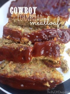 Cowboy Cornbread Meatloaf recipe - - so moist and delicious with BBQ sauce! Add this to your easy meat loaf dinner recipes collection! Beef Dishes, Food Dishes, Main Dishes, Slow Cooker Recipes, Cooking Recipes, Cooking Tips, Best Meatloaf, Meatloaf Recipes, Turkey Meatloaf