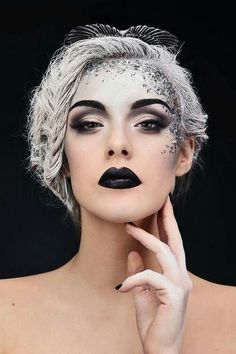 With Halloween just around the corner, you might be trying to come up with a unique look that can be recreated easily. Don't worry, I've got you covered! While spooky is always fun, sometimes us girls