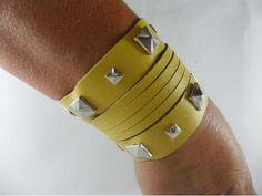 Bracelete Taxa Amarelo - R$37.00
