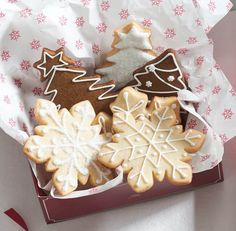 12 Easy Holiday Edible Gifts to Make This Weekend