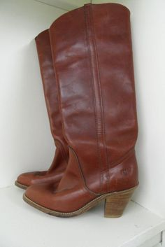 Vintage - Womens Tall Frye Boots - Size 7