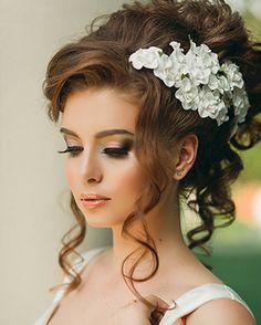 свадебные прически с челкой на средние