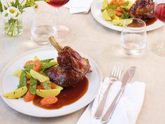 Wenns etwas deftiger sein darf - Lammstelzen mit Rotweinsauce #Rezept #Ostern
