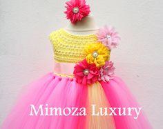 Explora artículos únicos de MimozaLuxury en Etsy, un mercado global de productos hechos a mano, vintage y creativos.